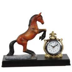 Statua Cavallo e Orologio